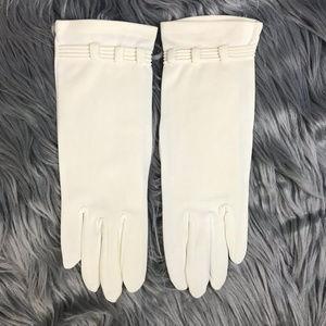Vintage Shalimar Ivory Day Gloves